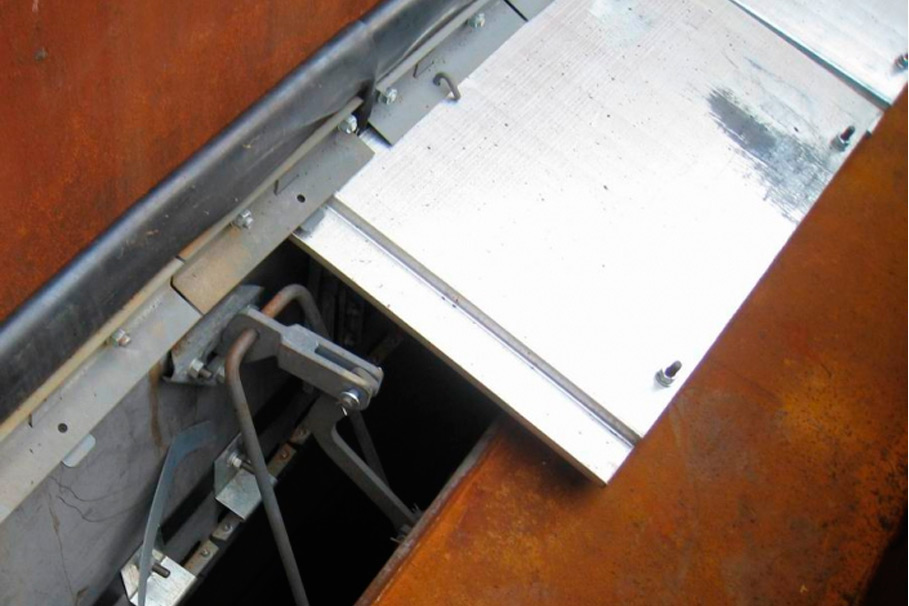 Уплотняющие затворы для плавающих крыш резервуаров «УЗПК-40»